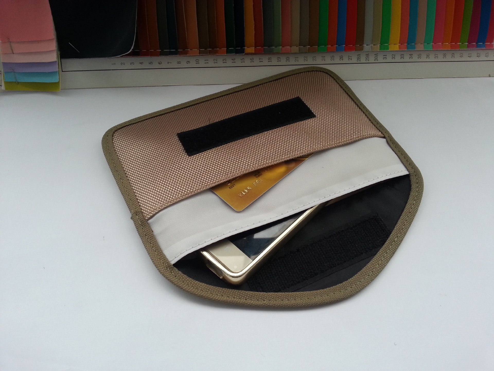 Cheap RFID Blocking Pouch Q1